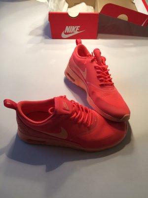 Nike air Thea suchen ein neues Zuhause