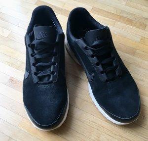 Nike Air Turnschuhe Gr. 38,5 schwarz