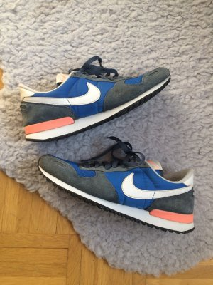 Nike Air Vortex Retro Sneaker