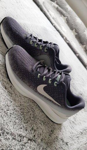 Nike Air Zoom Vomero 13 38,5