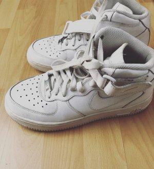 Nike High Top Sneaker white