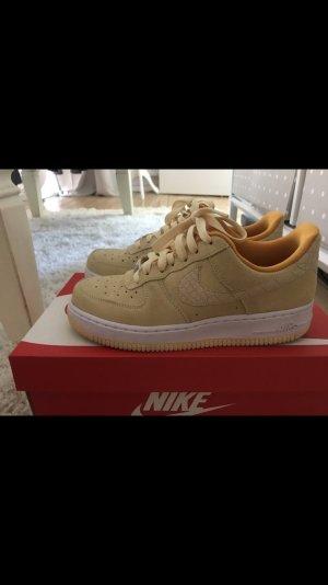 Nike airforce gelb/weiß 38