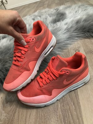 Nike Sneakers lichtrood