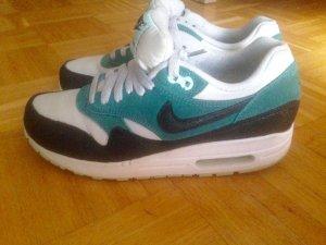 Nike AirMax 1 Sneakers