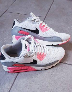 Nike Basket blanc-rose fluo