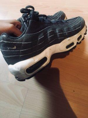 Nike Airmax 95 in dunkelgrau