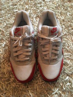 Nike Basket à lacet blanc-rouge