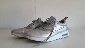 Nike Zapatilla brogue color plata