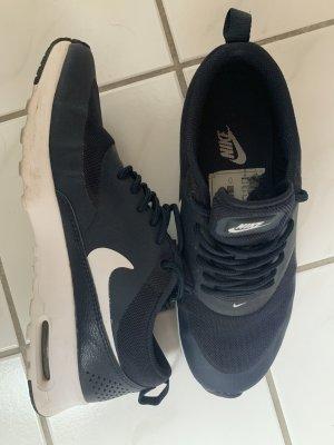 Nike Lace-Up Sneaker dark blue