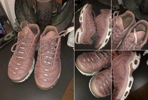Nike Basket à lacet rose