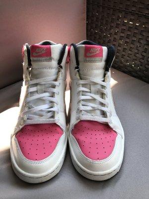 Nike Backboard 2 in weiß pink Größe 37,5