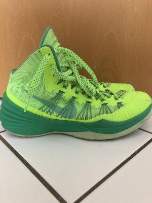 Nike Basketballchuhe/ Sneaker
