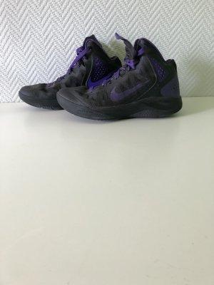 Nike Basketballschuhe/ Sneaker