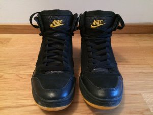 Nike Lace-Up Sneaker black-yellow