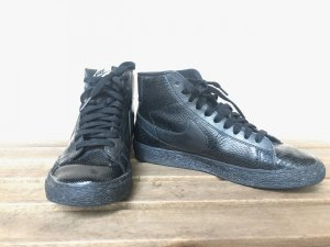Nike Blazer 37,5 (UK 4) Essential Schwarz high-tops Snake-Print All black Echtleder Schlangen-Print