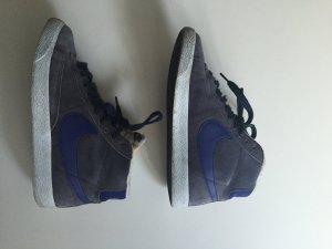 Nike Blazer Dunkelblau