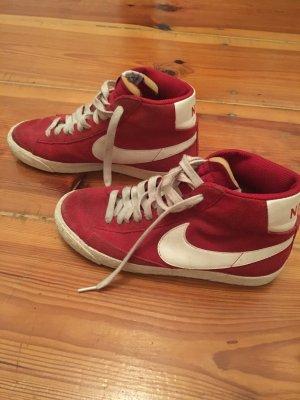 Nike Blazer Farbe rot