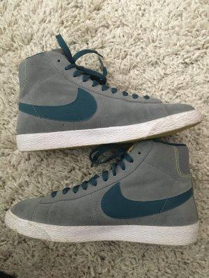 Nike Blazer grau-grün