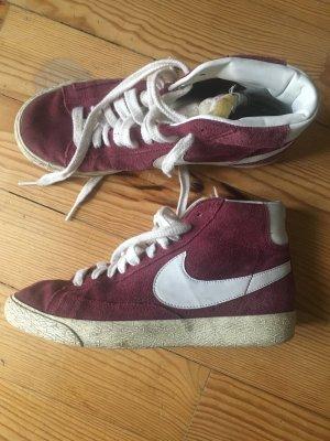Nike Blazer High dunkelrot