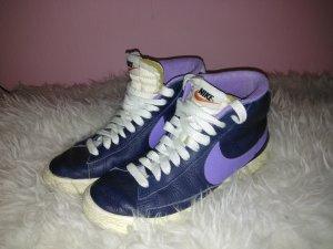 Nike Blazer in blau violett Größe 40