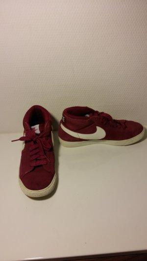 Nike Basket montante rouge foncé-bordeau