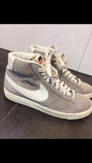 Nike Blazer in Grau - Größe 36,5