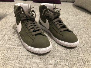 Nike Blazer Khaki