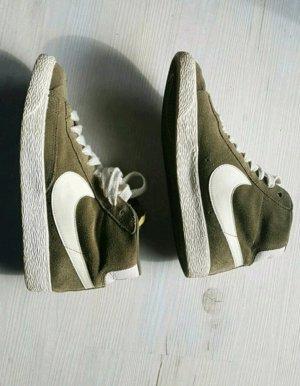 Nike Blazer Khaki/Olive Gr.36