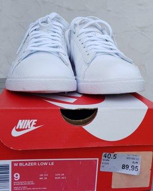 Nike Blazer low weiß