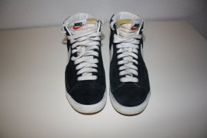 Nike High Top Sneaker black-white suede