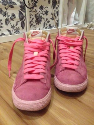 Nike Blazer Rosa in Größe 38.5