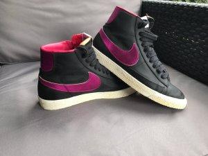 Nike Blazer schwarz pink NEU