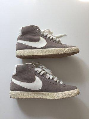 Nike Blazer Sneaker Grau