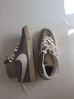 Nike Blazer Sneaker Hellgrau