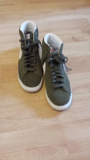 Nike Blazer Sneaker khaki Größe 40 1/2