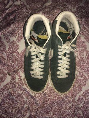 Nike Blazer Vintage Olivgrün Trend
