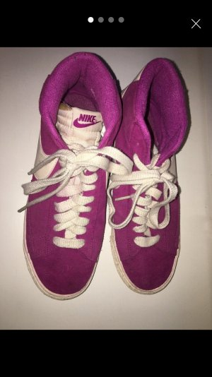 Nike Blazers in Pink/Lila