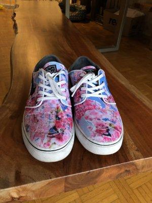 Nike Blumen Sneaker 42