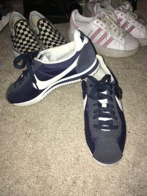Nike Cortez dunkelblau