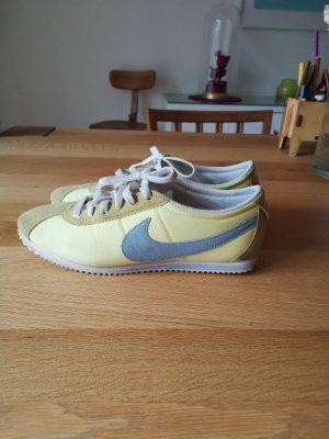Nike Sneaker stringata giallo neon