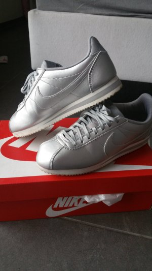 Nike Sneakers silver-colored