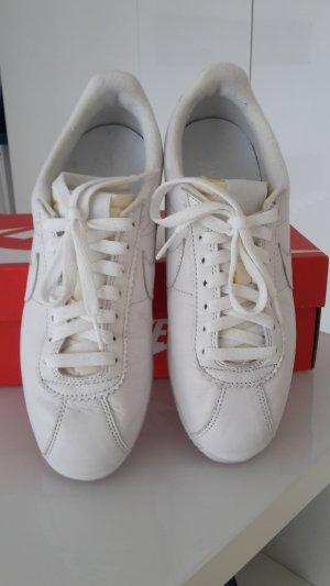 Nike Cortez in weiß - nur 2x kurz getragen
