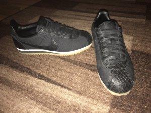 Nike Cortez schwarz 39
