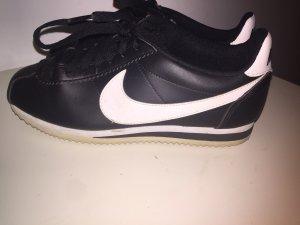 Nike Cortez schwarz/weiß