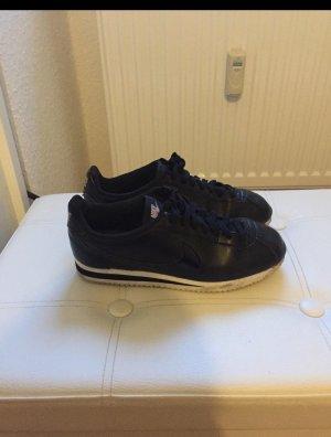 Nike Cortez Sneaker schwarz