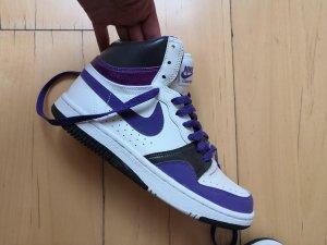 Nike Basket montante blanc-violet