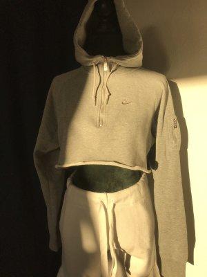Nike Top recortado color plata-gris