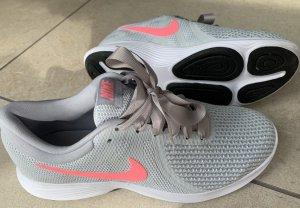 Nike Damen Sneakers Grau/Pink Gr.40 w.Neu