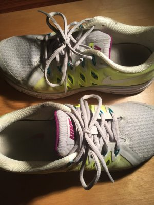 Nike Damen Sportschuh