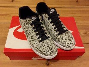 Nike Damen Tennis Classic Ultra Premium (black / white) - wie neu
